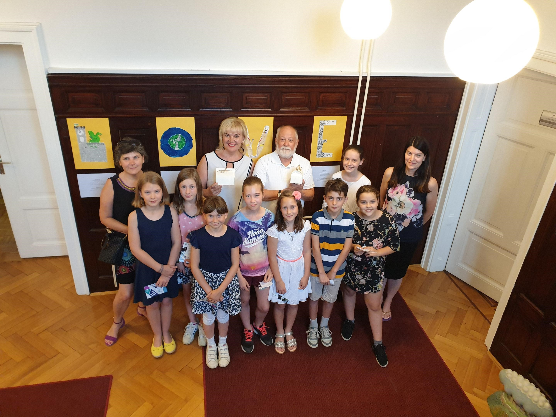 razstava-od-dnevu-drc5beavnosti-junij-2019-slo-8